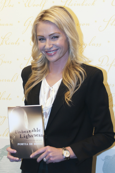 Perfect Portia De Rossi Has Written A Book, Unbearable Lightness, Which Details Her  Struggles With An Eating Disorder That Began In Her Early Teens. Home Design Ideas