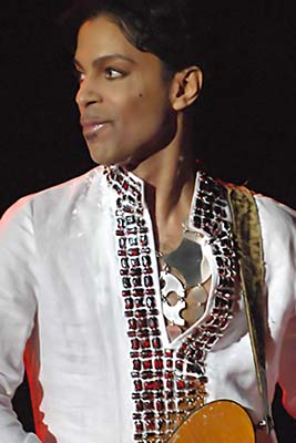 Prince_at_Coachella_001